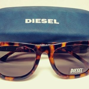 fd0d548e66 Diesel Women s Square Tortoise Sunglasses NEW